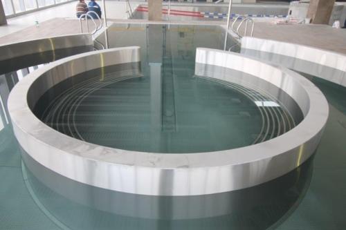 Круглый бассейн из нержавеющей стали