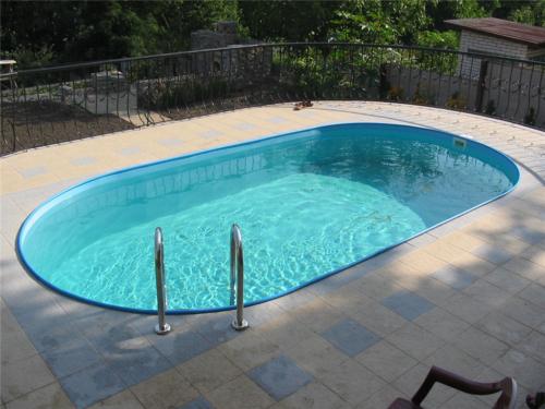 Полипропиленовый бассейн на частной территории